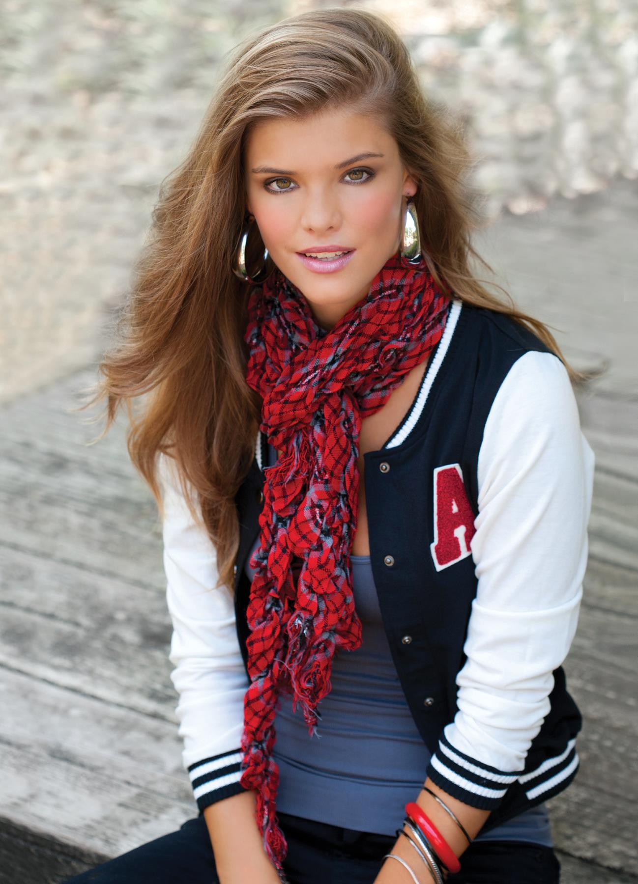 nina-agdal-body-central-fashionwear-2011-set-2-central-holiday-lookbook06