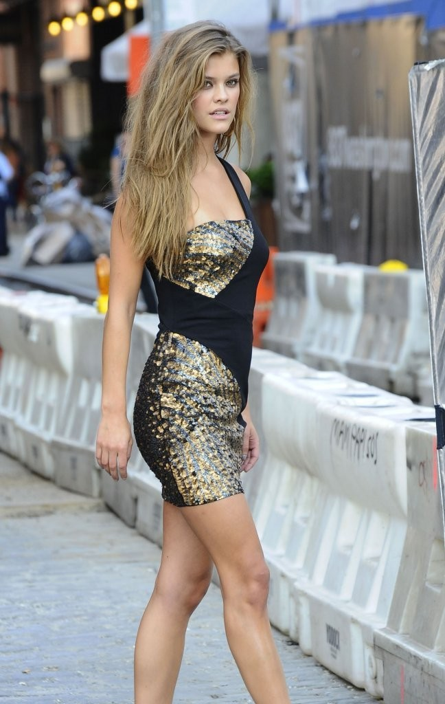 nina-agdal-bebe-shoot-new-york-june-20-2013-20