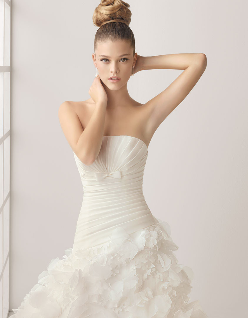 nina-agdal-rosa-clara-bride-photoshoot-2011-62
