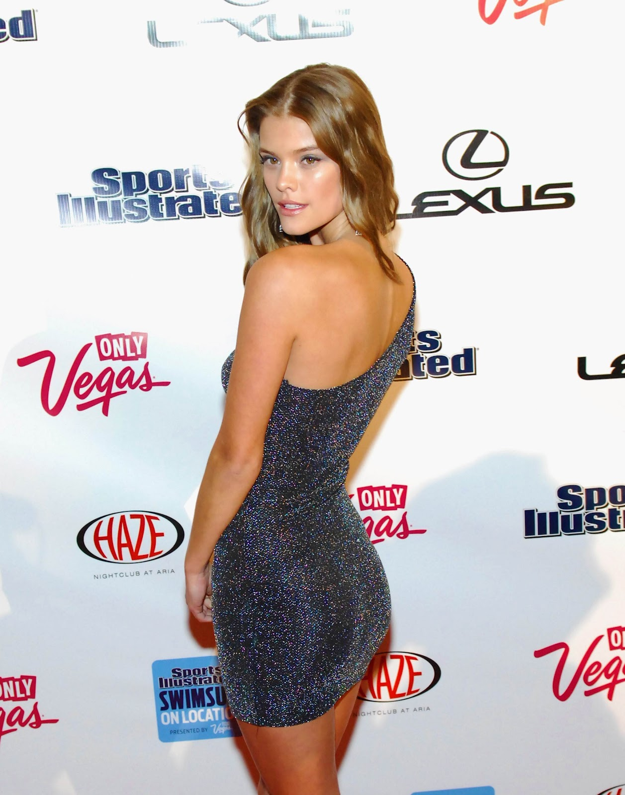 nina-agdal-si-swimsuit-party-2012-01