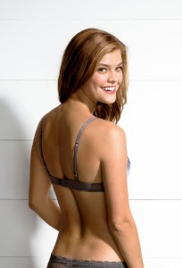 nina-agdal-aerie-bra-guide-october-2013-19