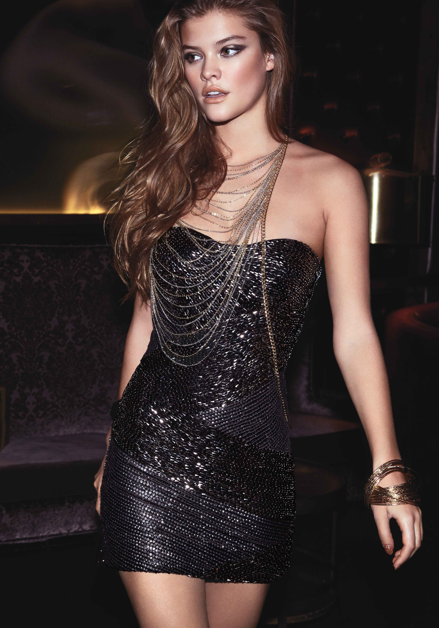 nina-agdal-bebe-new-years-eve-2013-01