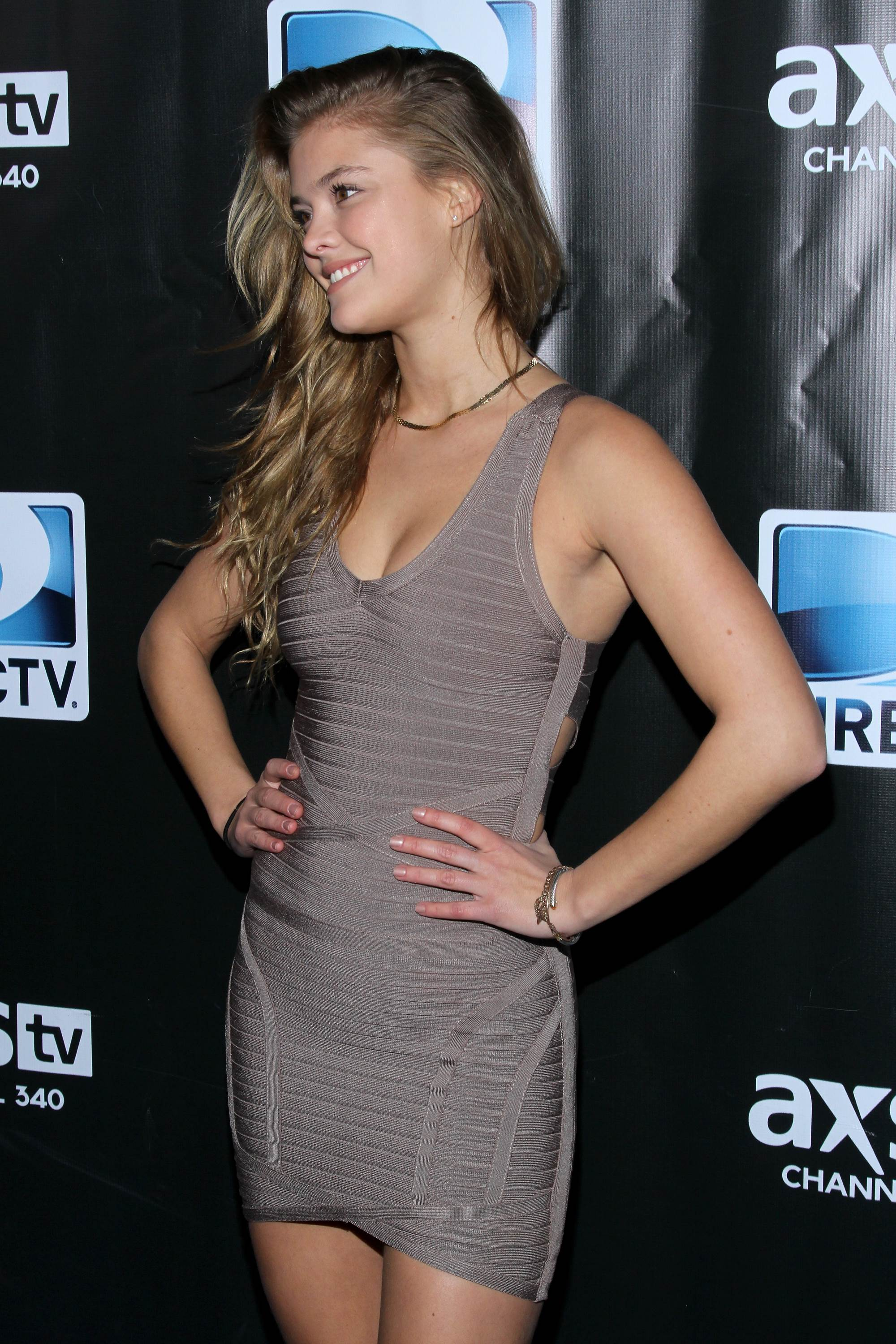 nina-agdal-directv-super-saturday-night-new-york-february-1-2014-13