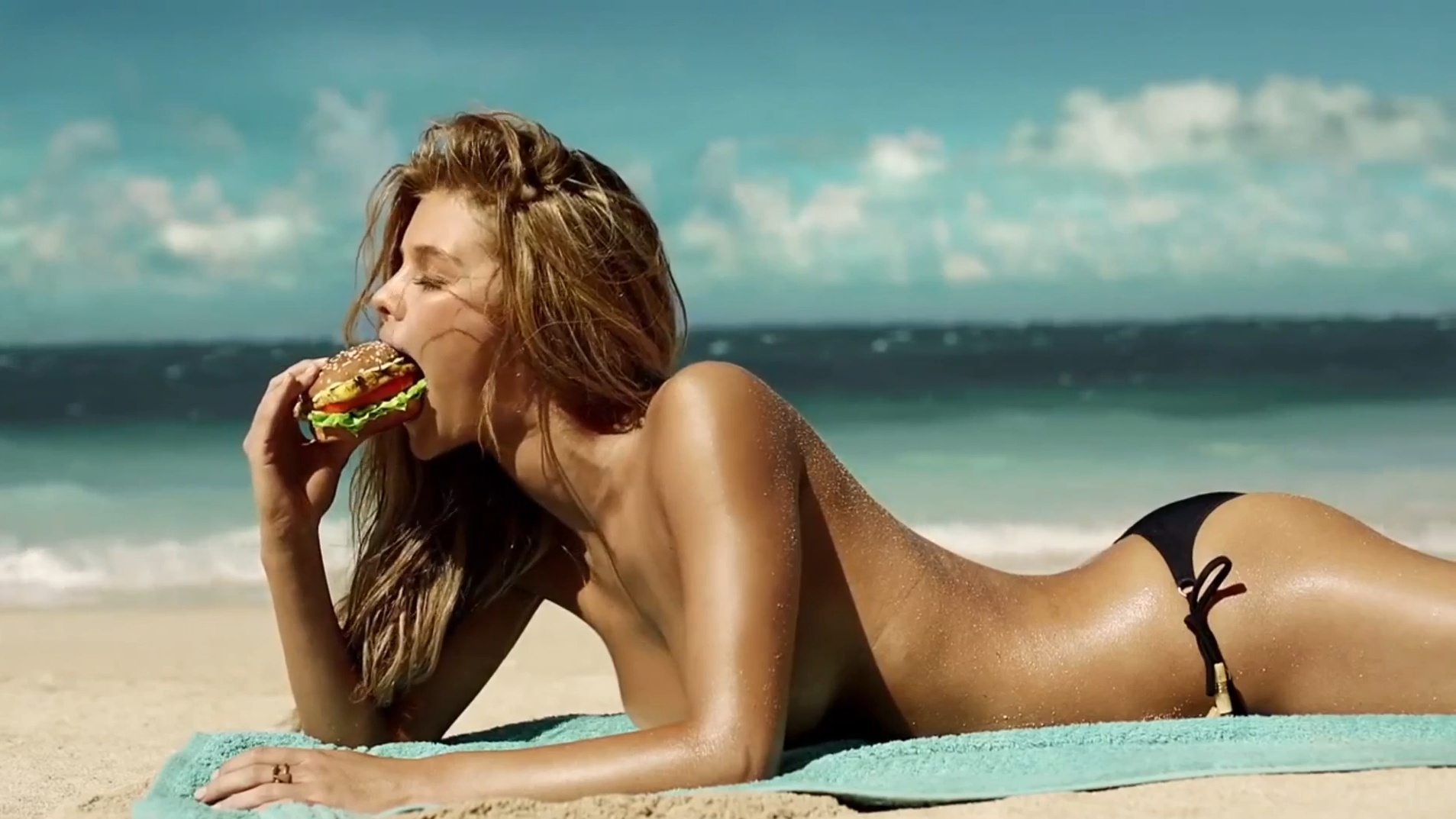 nina-agdal-carls jr ad-2013