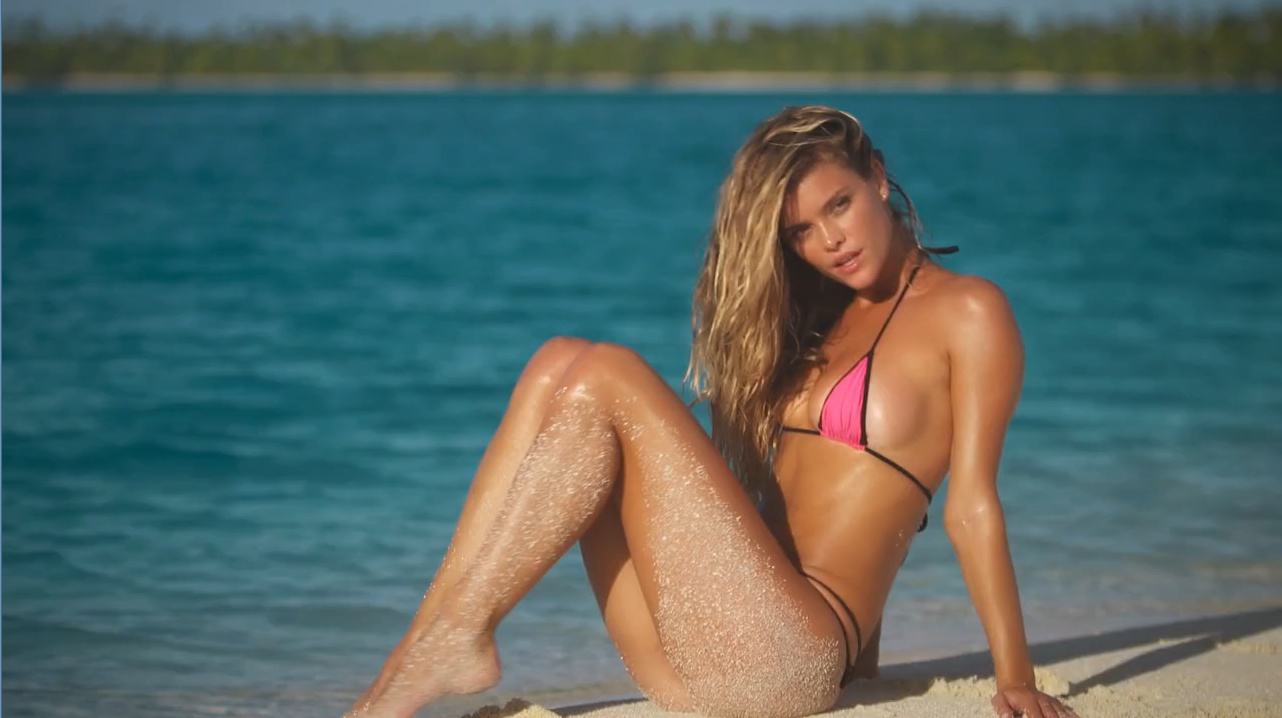 nina-agdal-sports-illustrated-swimsuit-2014-2-profile