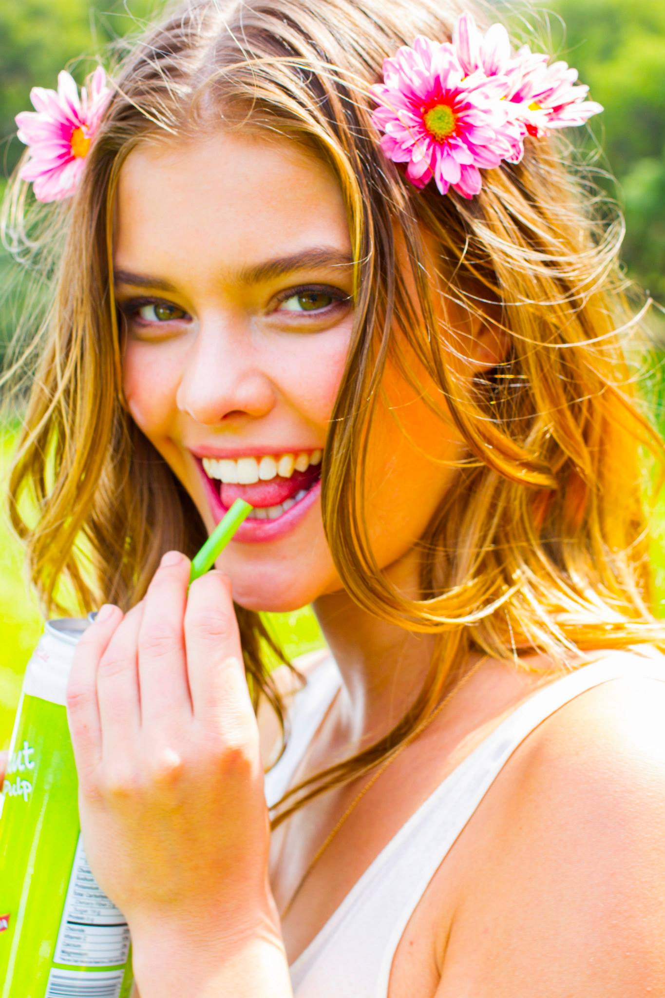 nina-agdal-avon-shoot-behind-the-scenes-milk-studios-la-april-2014-set-2-01