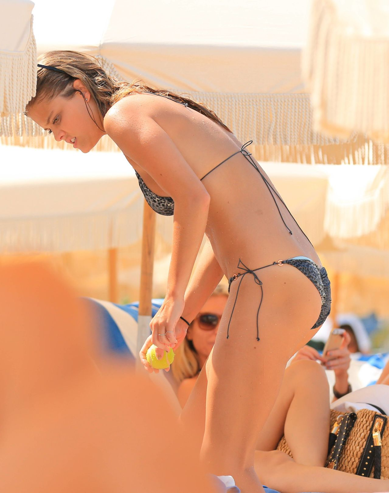 nina-agdal-at-the-beach-miami-july-19-2014-set-2-01