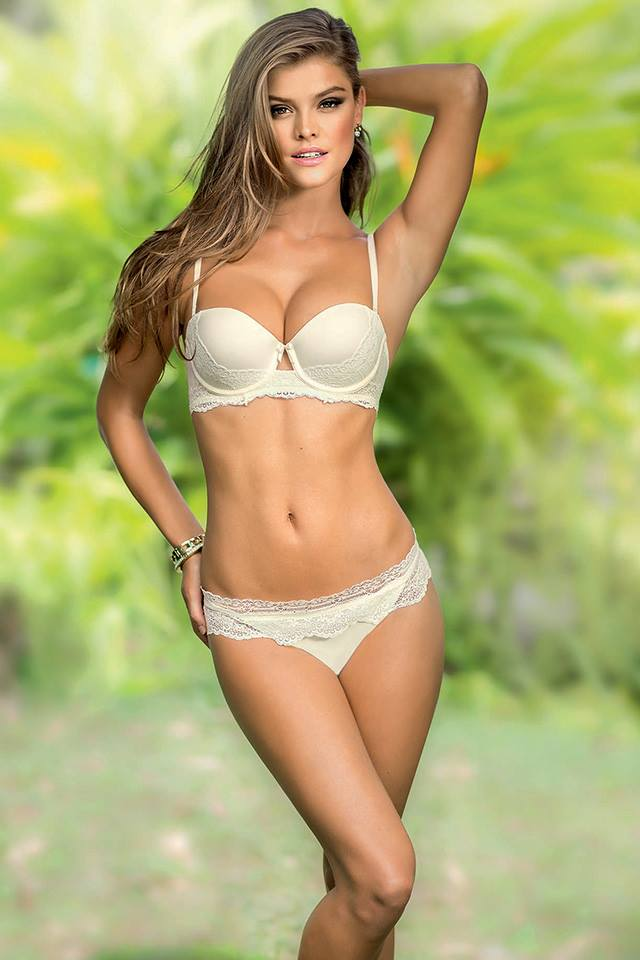 nina-agdal-leonisa-lingerie-september-2014-set-4-01