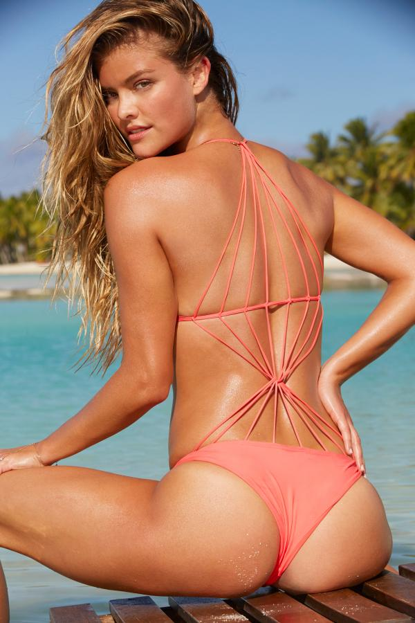 nina-agdal-si-swimsuit-swimdaily-september-4-2014-cook-islands-07