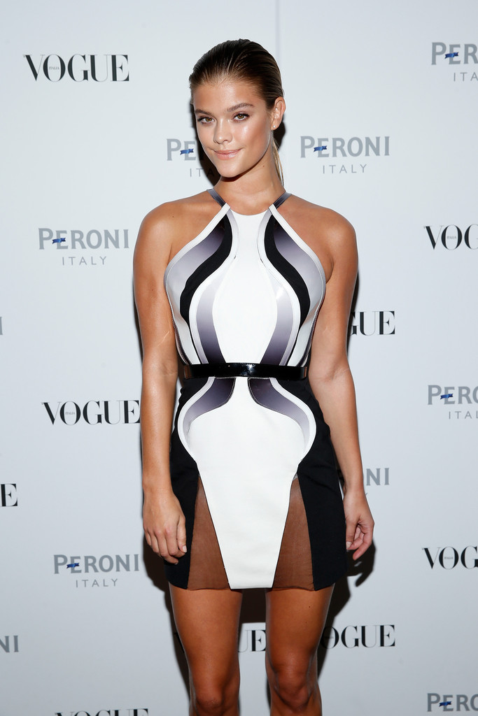 nina-agdal-vogue italia opening-night-exhibition-new-york-city-october-14-2014-15