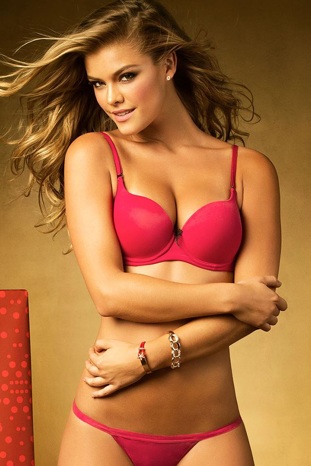 nina-agdal-leonisa-lingerie-christmas-wishes-december-2014-12